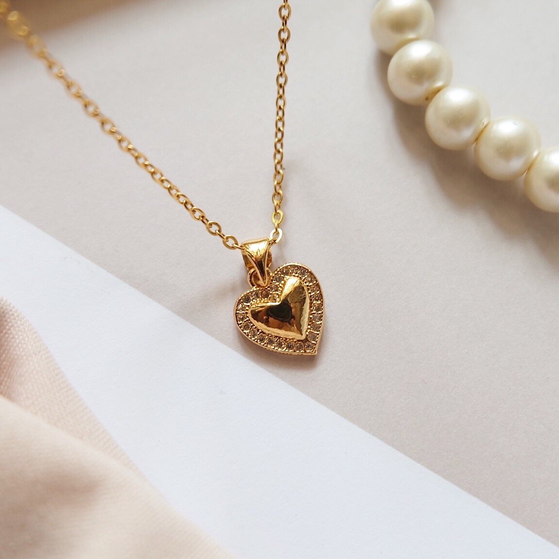 Abi-Necklace-1.jpeg
