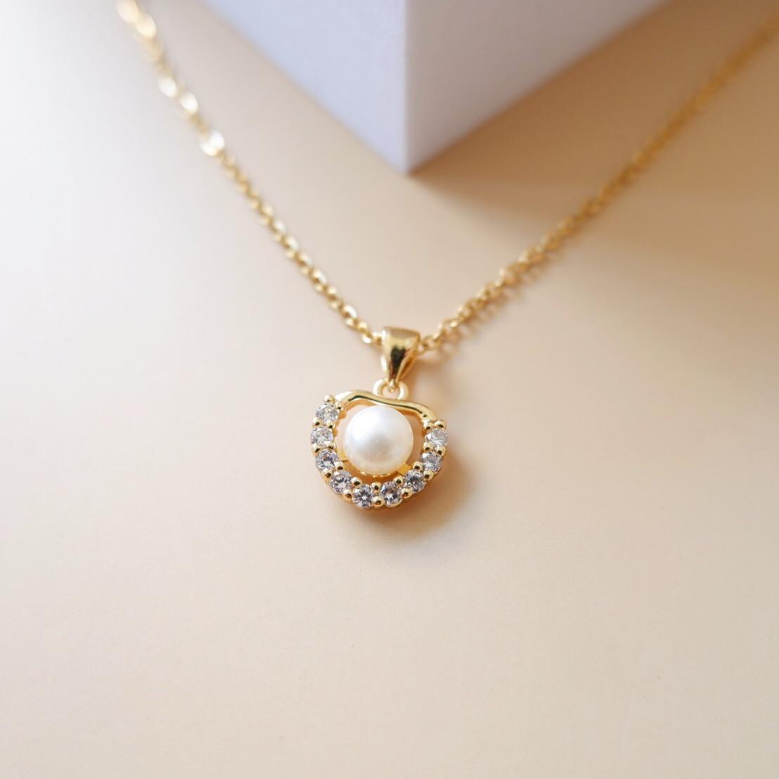 Cassia Pearl necklace2